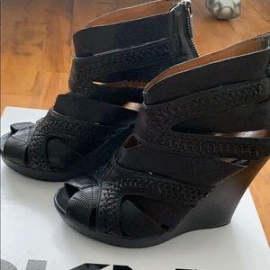 DKNY Donna Karan NY woven wedges